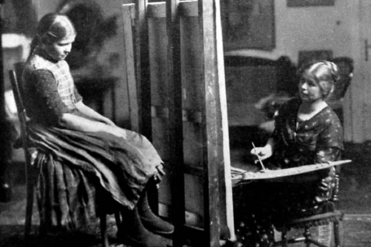 Kalivoda Kata és modellje (a Vasárnapi Újság fotója, 1913)