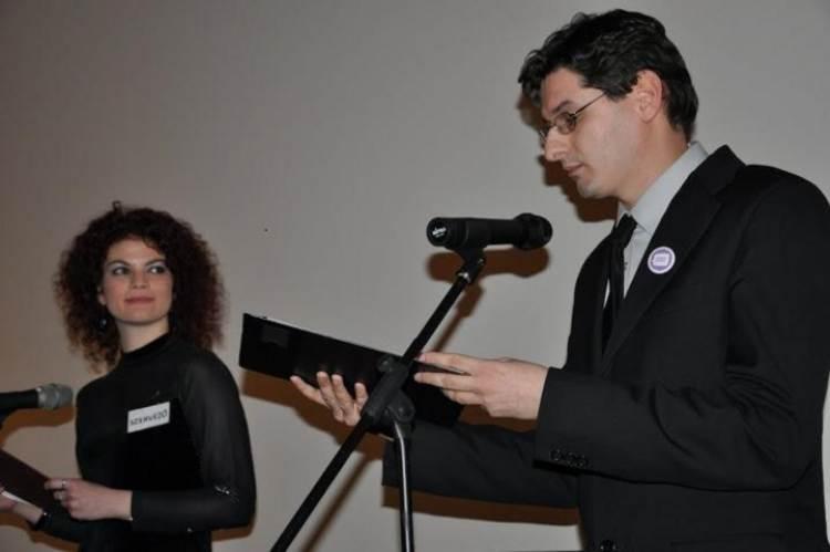 Nádasi Eszter (Labrisz) és Hanzli Péter (Háttér) a megnyitón (Fotó: Erdélyi Tea)