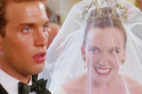Jelenet a Muriel esküvője c. filmből