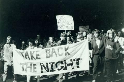 Take Back the Night! felvonulás a 80-as években. Forrás: Durham University Archives.