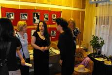 Retek Erika kapcsolódó kiállítást állított össze
