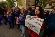 Április 13-án a szegedi demonstráción. (Fotó: Török János, Délmagyar.hu)