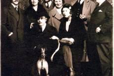 Vurstliban (1932) József Attila, József Jolán, Láng Ernő, Szegedi Boris, Nagy Lajos, Agárdi (Danzinger) Ferenc, ülnek Bányai László és Szántó Judit